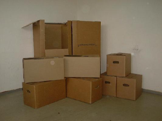 umzugskartons. Black Bedroom Furniture Sets. Home Design Ideas